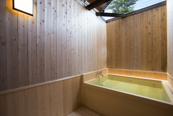 Private Cypress open-air bath first in Tsugaike